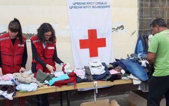 Građani Novog Sada donirali preko šest tona garderobe u Empty Shop-u
